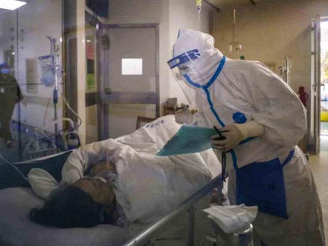 Se elevó a 2 mil el número de muertos por coronavirus en China
