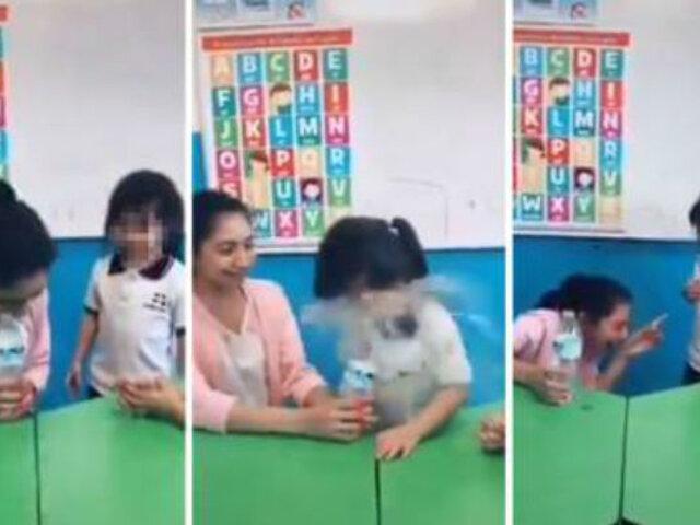 [VIDEO] La cruel e indignante 'broma' que una maestra hizo a una niña y la dejó sin trabajo