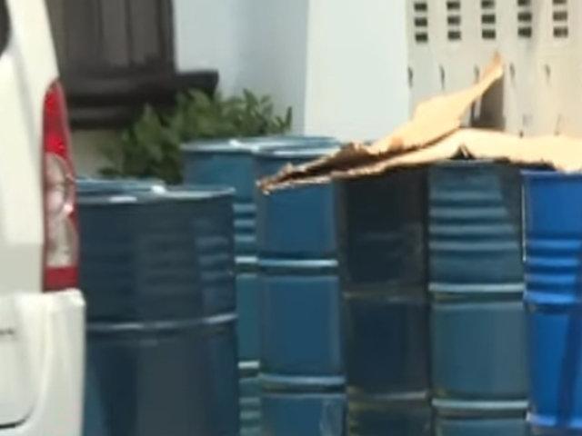 Surquillo: vecinos fueron evacuados tras hallazgo de barriles con material inflamable