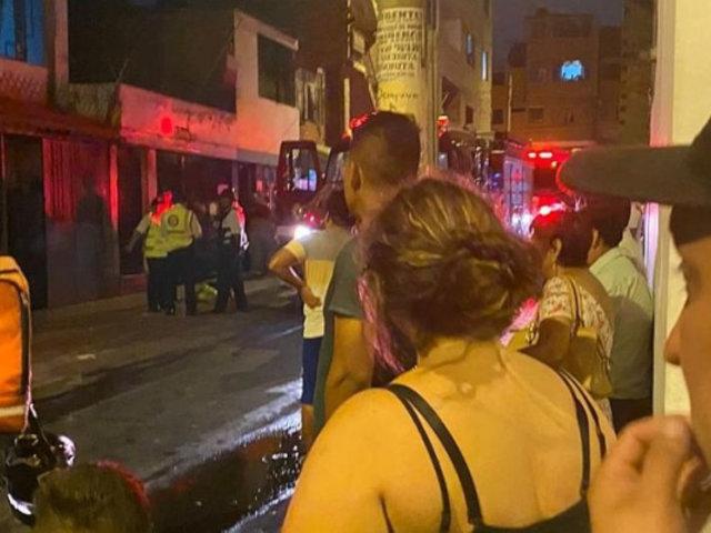 Surquillo: incendio en local de venta de balones de gas causó pánico