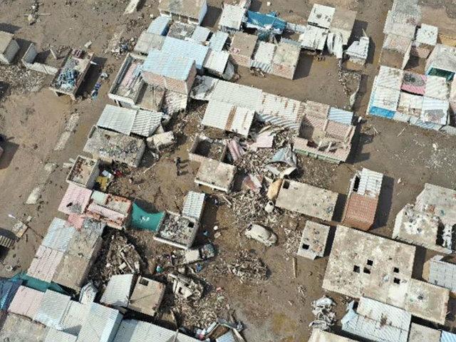 Tacna: instalan 50 carpas para damnificados tras huaico