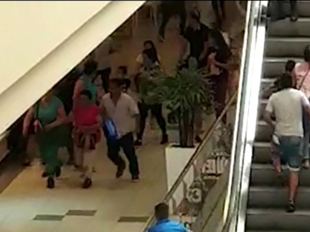 Plaza Norte: pelea entre extranjeros causó pánico en centro comercial