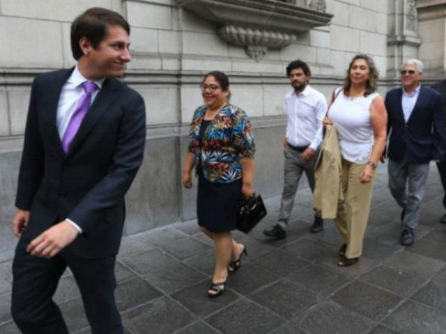 Premier Zeballos se reúne con virtuales congresistas del Partido Morado