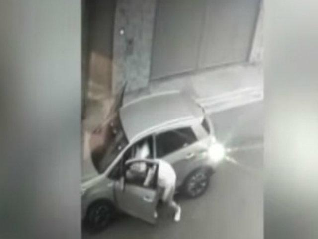 Surco: asaltan a chofer que estaba estacionado en la calle