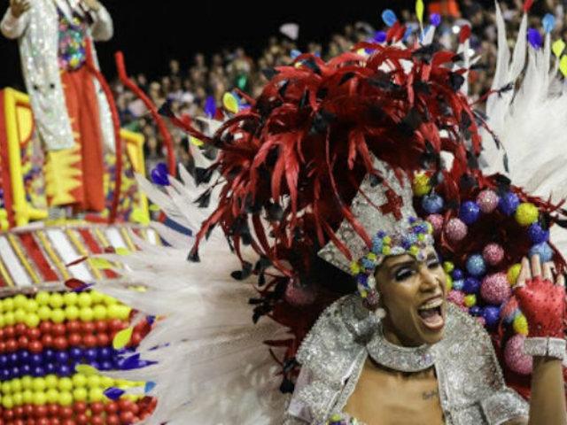 Brasil: crítica social marcó el segundo día de celebraciones del Carnaval de Río