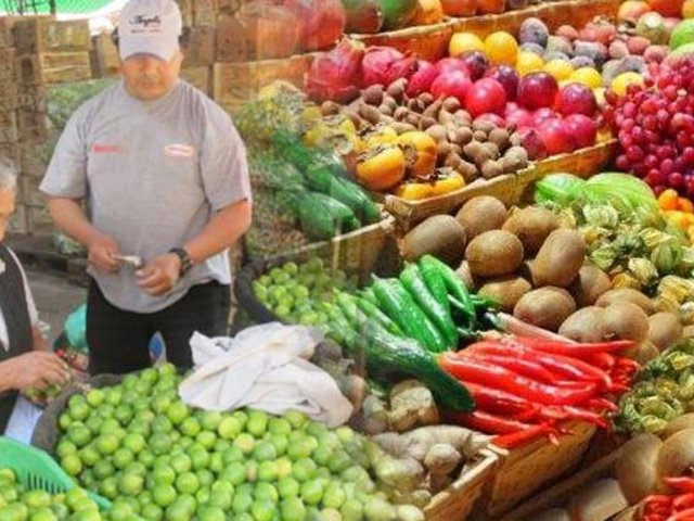 ¿Subirán más los precios de los alimentos en mercados tras huaicos en la sierra?