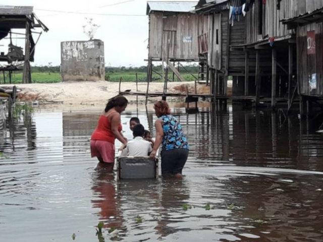 Iquitos: lluvia de casi 6 horas inundó calles de la ciudad