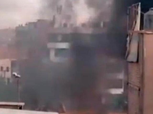 SJL: vecinos reportan incendio en una vivienda de Malecón Checa
