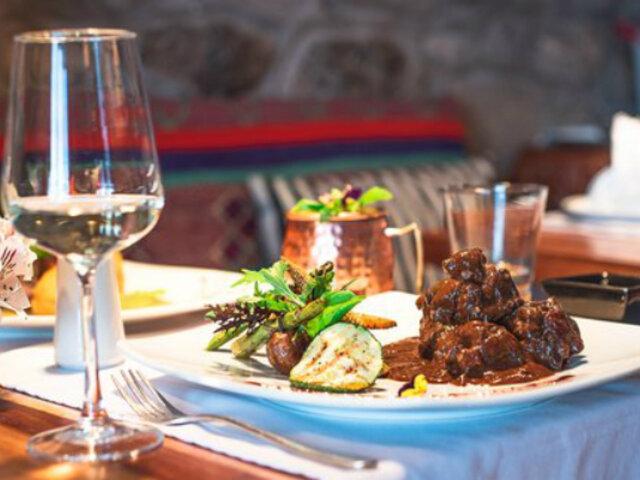"""Restaurante peruano en Colombia recibe certificado de """"auténtica cocina peruana"""""""