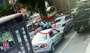 La Victoria: detienen a adolescentes que robaban celulares a pasajeros de autos
