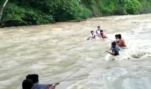 Tarapoto: rescatan a bañistas atrapados en caudaloso río Cumbaza