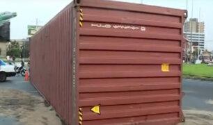 Accidente en Jesús María: container volcado continúa bloqueando ingreso a av. Salaverry