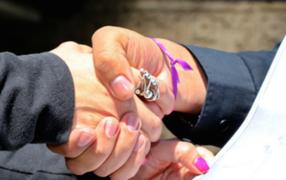 #DameLaMano: lanzan campaña contra el acoso para ayudar a mujeres en peligro
