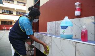 Coronavirus y dengue: intensifican limpieza y desinfección en 463 colegios de Lima