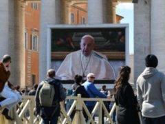 El Vaticano: papa Francisco ahora oficia misas en video