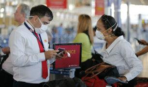 Coronavirus: aerolíneas identificarán a grupos de riesgo mediante formularios