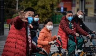 Coronavirus origina nuevas formas de saludo en el mundo