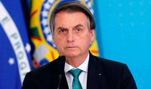 Brasil: presidente Bolsonaro pide 'no acobardarse ante el Covid-19'