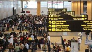 Viajeros preocupados tras cancelación de vuelos desde y hacia Europa y Asia