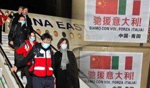 Covid-19: expertos chinos llegan a Italia con toneladas de ayuda