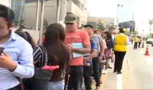 Estado de emergencia: decenas hacen colas para ir a trabajar en av. Javier Prado