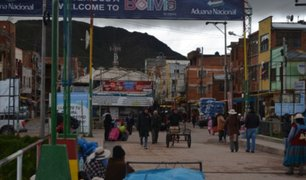 Estado de emergencia: peruanos varados en Bolivia rompen cordón policial en la frontera