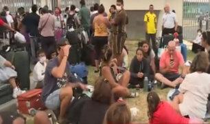Pasajeros peruanos y extranjeros varados en aeropuerto Jorge Chávez