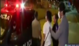Policía ofrece llevar a mujer a su casa pero luego la bajan y le dan 2 soles para pasaje