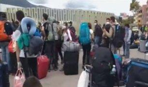 Turistas nacionales regresan a Lima desde Cusco