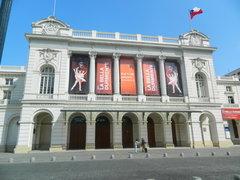 Chile: ordenan cierre de teatros, cines, bares, discotecas y restaurantes por coronavirus