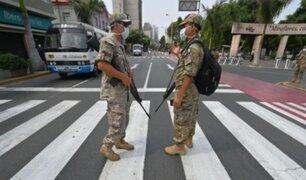 Evalúan entrega de bono para policías, militares y trabajadores penitenciarios