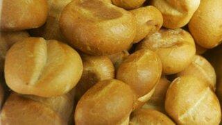 Clientes reclaman alza de precios en panadería de Jesús María
