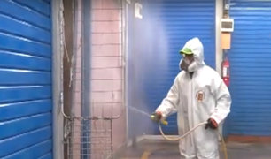 Estado de emergencia: Desinfectan mercado de Sarita Colonia en Chorrillos