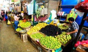 Mercados abarrotados tras anuncio de ampliación de estado de emergencia