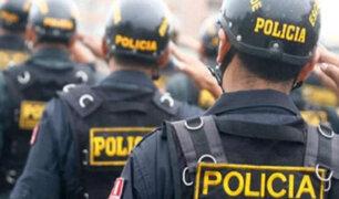Pedro Suárez-Vértiz dedica homenaje a Policía que falleció por COVID-19
