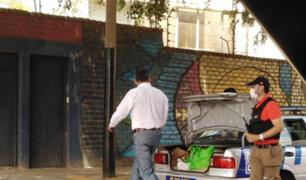 Barranco: captan a alcalde llevando donaciones por coronavirus a su domicilio