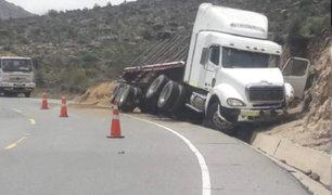 Madre de Dios: conductor muere tras despiste y choque con cerro
