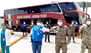 """Selección Peruana: FPF apoya a militares y personal médico con el bus de la """"Bicolor"""""""