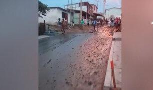 Chorrillos: aniego por rotura de tubería afectó varias viviendas