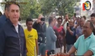 Coronavirus: presidente de Brasil pasea por las calles del distrito Federal
