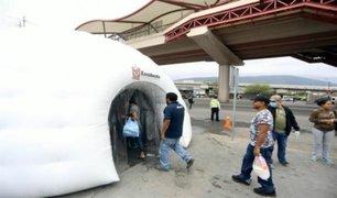 Coronavirus en América Latina: colocan túneles para desinfectar a personas en México