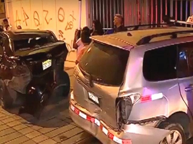 La Victoria: dos heridos deja triple choque en la avenida Arriola