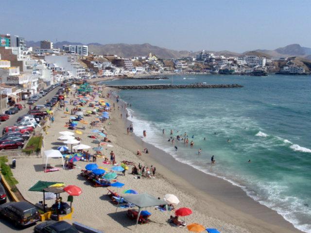 Contaminación en mar de San Bartolo mantiene preocupados a vecinos