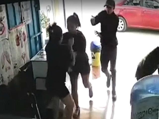 SJL: violento asalto se registra en una librería