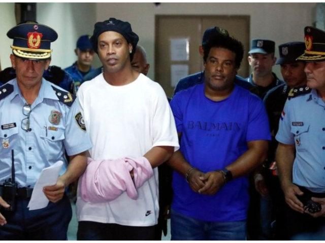 Ronaldinho: acusan a exfutbolista de organizar fiestas durante su arresto domiciliario