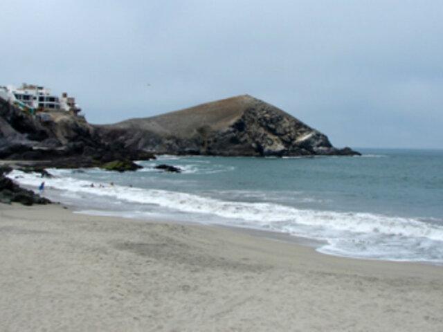 Punta Negra: vecinos  denuncian robo de arena de playas
