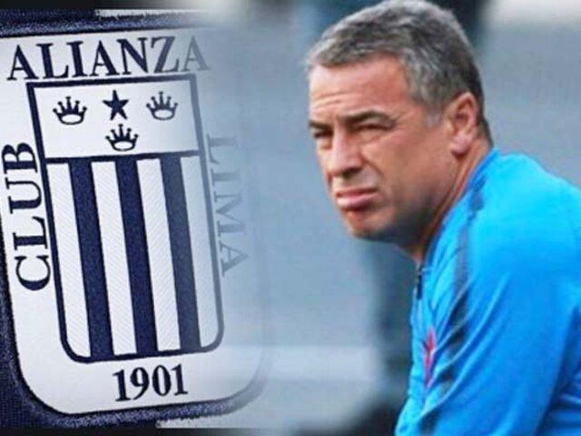 Pablo Bengoechea renunció a Alianza Lima tras perder 2-0 ante Universitario