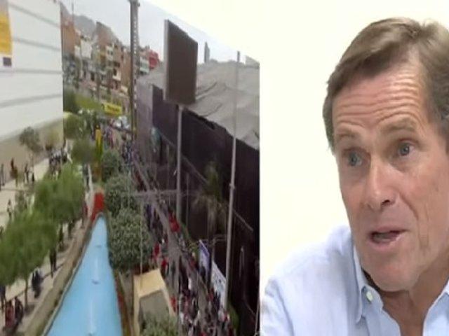"""Carlos Neuhaus sobre Coronavirus: """"Centros comerciales seguirán abiertos al público"""""""