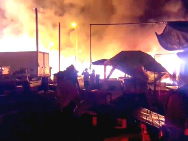 SMP: incendio consumió varios puestos de mercado y una vivienda