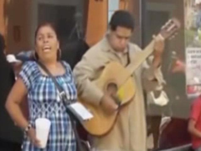 Personas que cantan mejor que los famosos